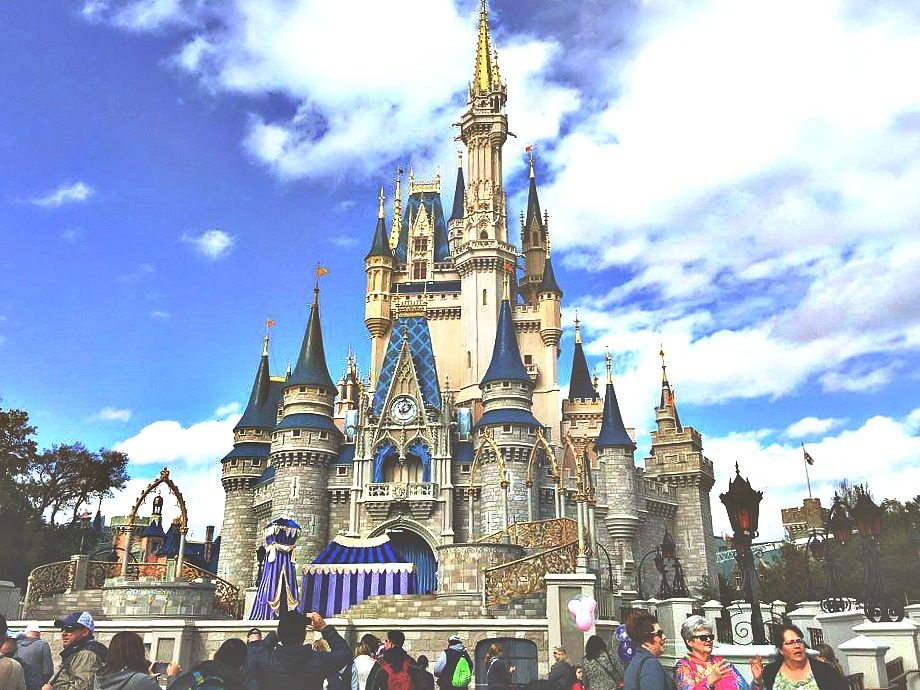 Disney World Magic Kingdom Cinderella's Castle
