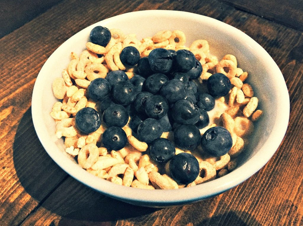 BLUEBERRIES AND CHEERIOS