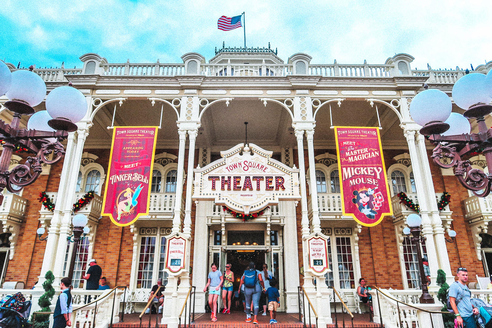 walt disney world magic kingdom town square theater