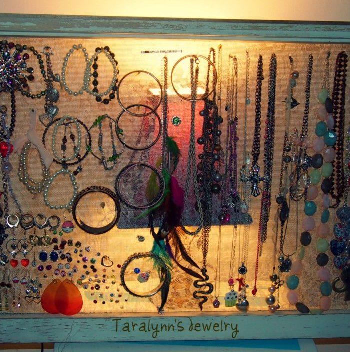 DIY:Window Pane Jewelry Organizer
