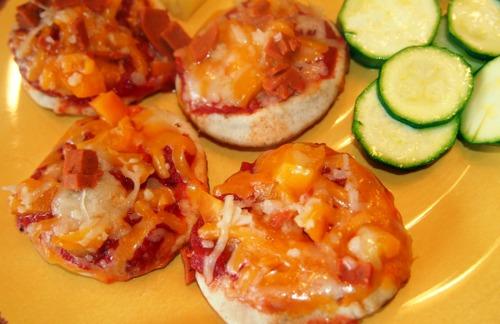 Mini Pita Pizzas!