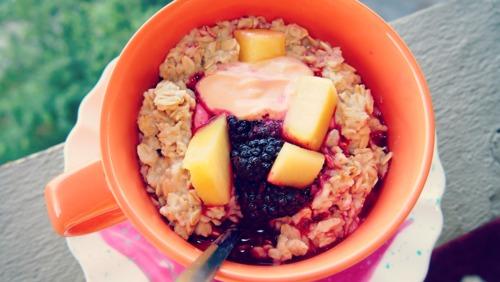 Blackberry & Pineapple Island Oasis Oatmeal