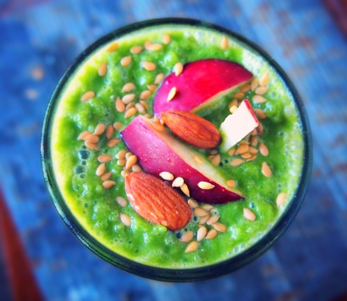 A Perfect Green Apple Smoothie For Fall