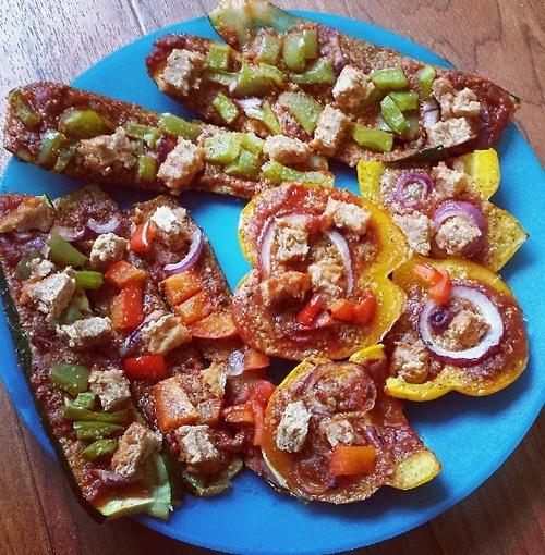 zucchini & bell pepper pizzas!