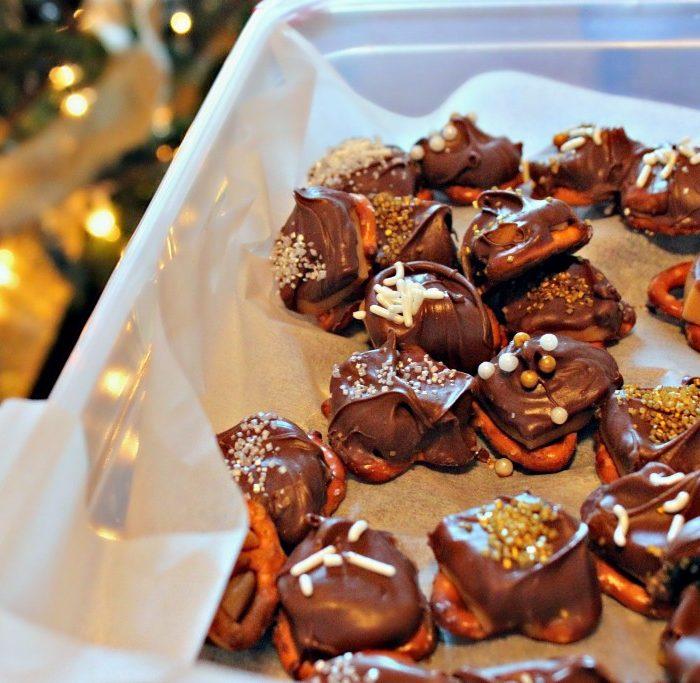 Chocolate Caramel Pretzel Party Poppers