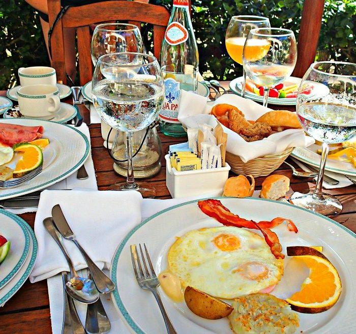 Breakfast at the Veranda: Casa Colonial, Puerto Plata, DR.