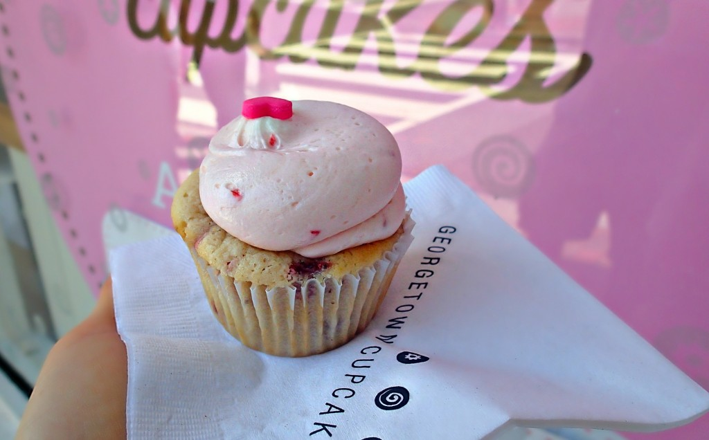 D.C. GEORGETOWN CUPCAKES STRAWBERRY