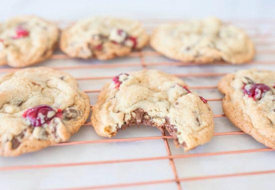 cranberry chocolate chip cookies, cookies, dessert, cranberries, berries, thanksgiving, fall, tasty , the best cookies