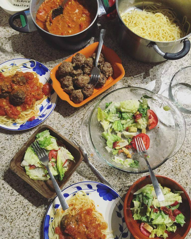 Sunday Dinner: Homemade Pasta Sauce & Meatballs!