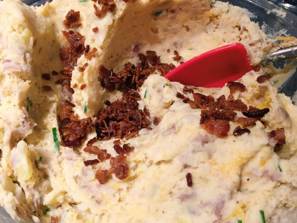 Super Loaded Cheddar Bacon Mashed Potatoes <3