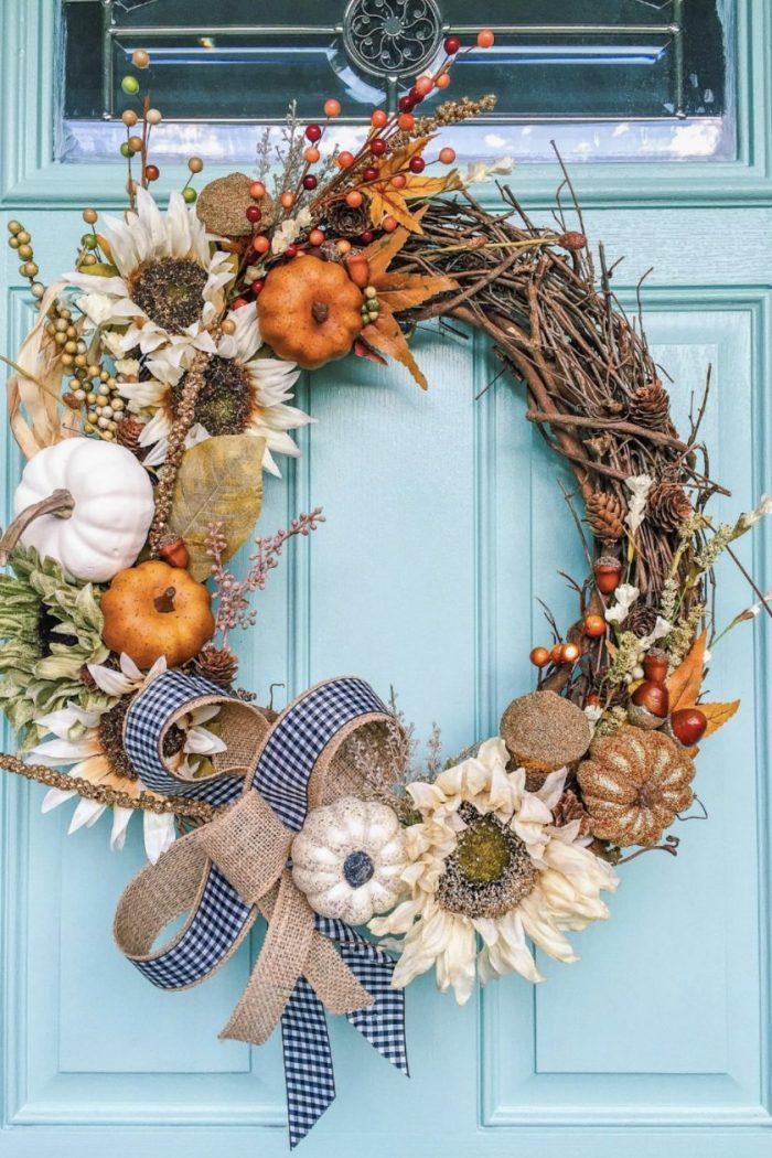 Do It Yourself Decor: Beautiful Fall Wreath! 🍂