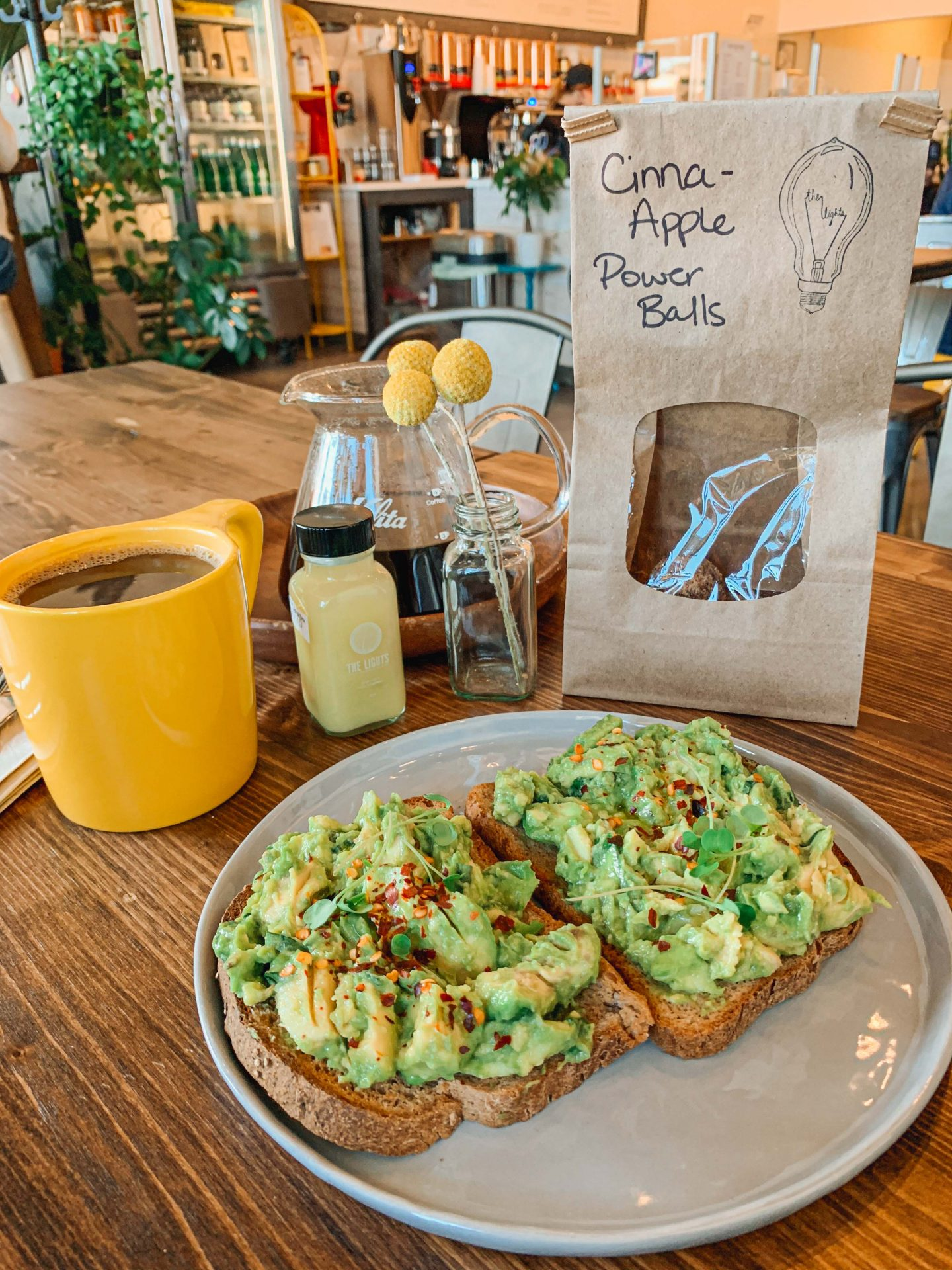 lights juicery, coffee, toast, avocado, healthy eating, Charlotte nc, where to eat, vegan cafe, healthy restaurants Charlotte