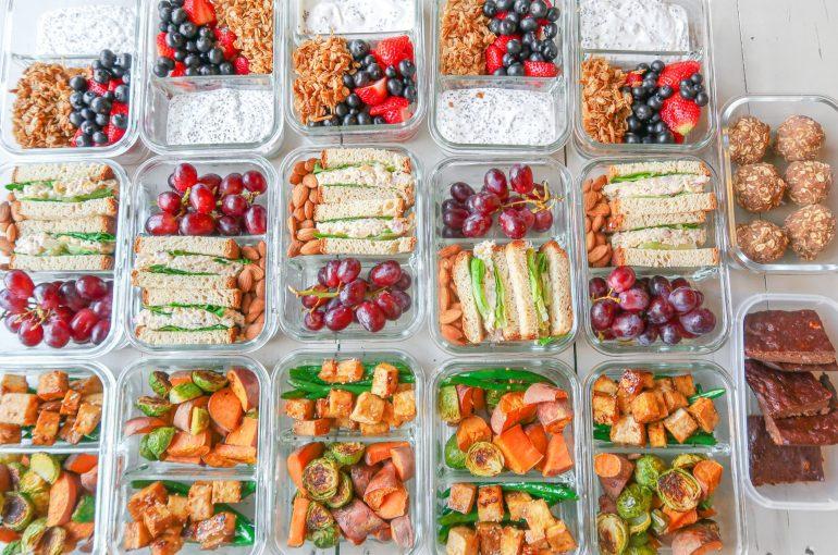 Budget-Friendly Meal Prep Guide: Gluten-Free, Dairy-Free, Berry Parfaits, Tuna & Chickpea Sandwiches & Sesame Tofu Pad Thai!