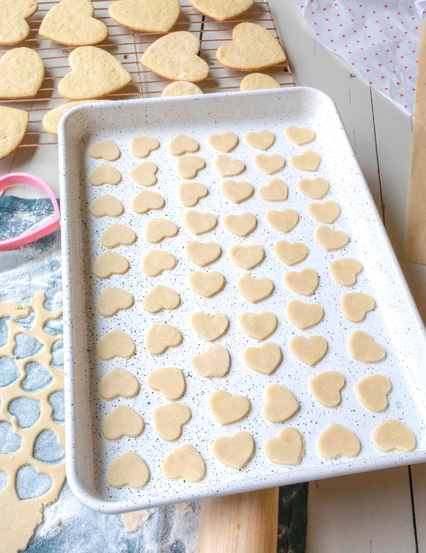 vegan royal icing, dairy free, dairy free sugar cookies, dairy free frosting, vegan and gluten free cookies, frosted sugar cookies, vegan cookies, frosted vegan sugar cookies, frosted gluten free sugar cookies, gluten free baking, recipe, holiday, sweets
