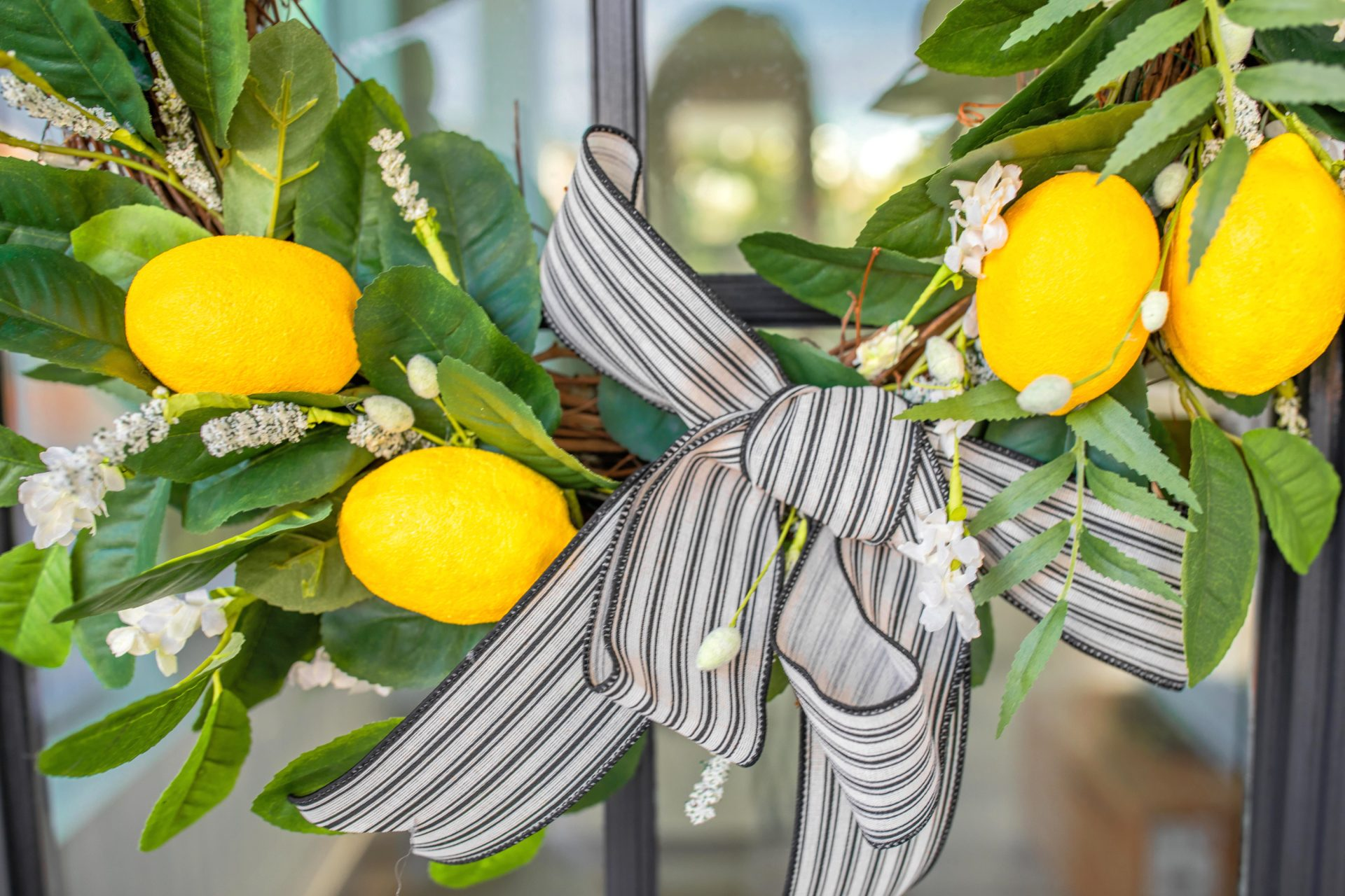 diy, wreath, summer decor, home design, front porch, lemon wreath, do it yourself, lemon wreath, lemon decor, how to make, crafts, how to, home, citrus, decoration