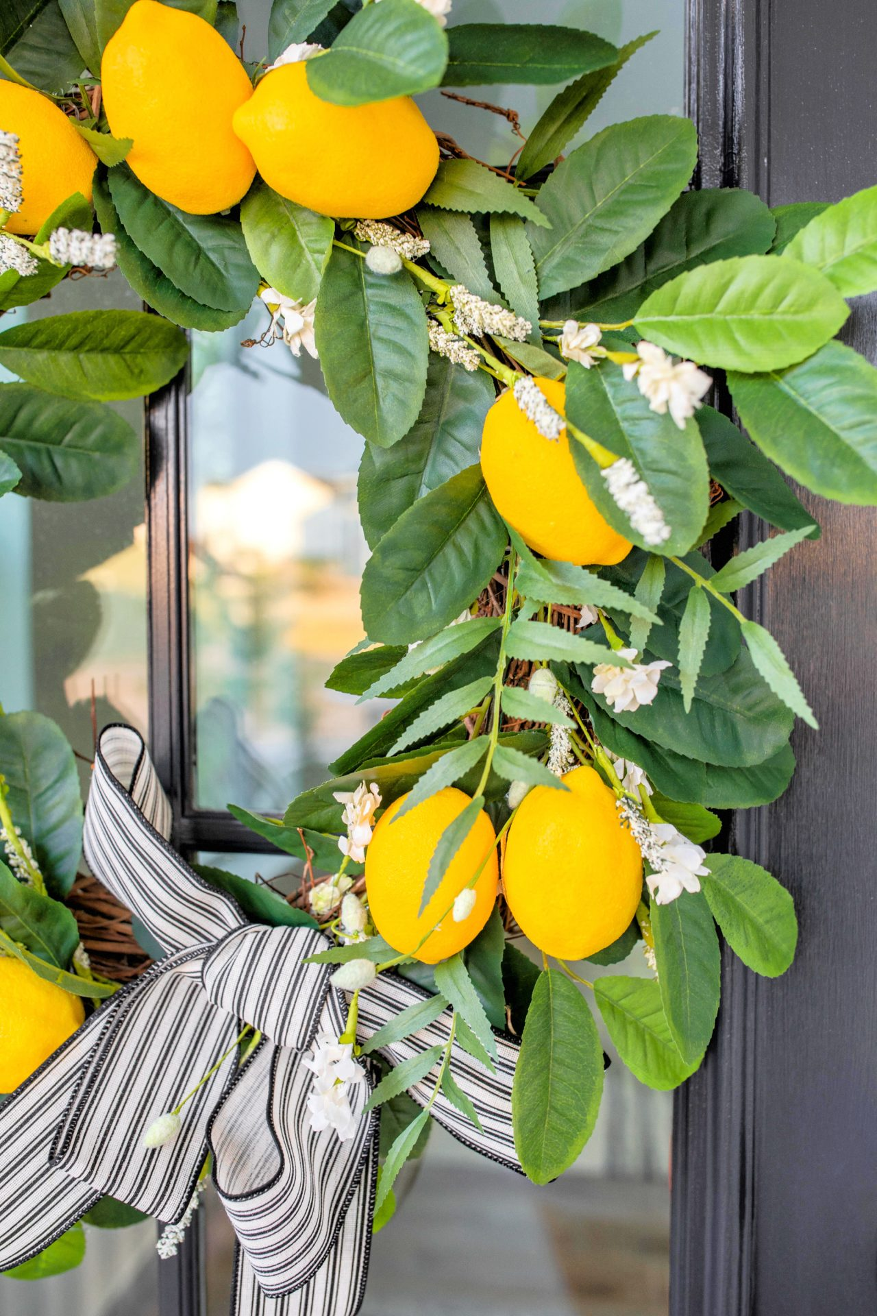 Do It Yourself: Lemon Citrus Wreath for a Summer Door + Video🍋