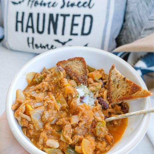 butternut squash chili, recipe, gluten-free, dairy free, healthy cooking, video, how to, best chili recipe, fall cooking, football, delicious