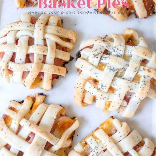 ham and cheese basket pies, sandwiches, picnic, pie savory, pot pie, baked poppy seed sandwiches, picnic food, recipe, easter, ham and cheese, easter recipe, spring, tiktok,