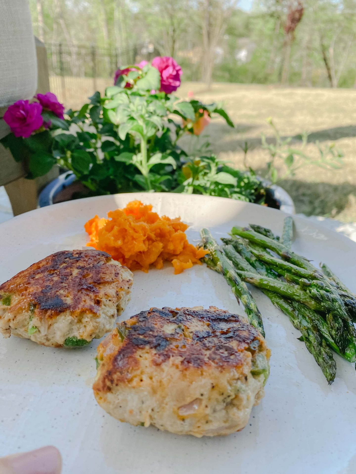 jalapeno turkey burgers, healthy eating, dinner, jalapeños, onions, soy sauce, easy to make