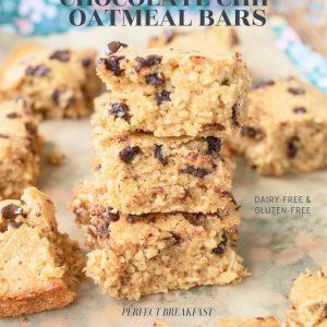 breakfast, gluten-free, recipe, baked oatmeal, tiktok, baked oats, chocolate chip oatmeal bars, healthy oatmeal breakfasted, baked oatmeal, baked chocolate chip oatmeal, gluten-free