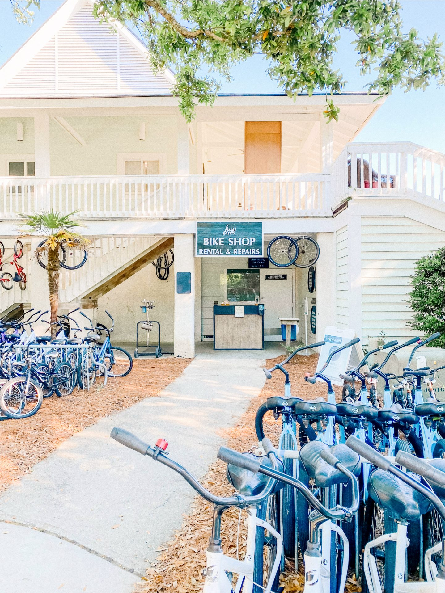 sweetgrass inn, isle of palms, wild dunes resort, resort with pool, vacation South Carolina, Sullivans island, coastal provisions, wedding isle of palms, food, travel guide, where to eat, where to stay, what to do, relax, spa, sweetgrass in resort