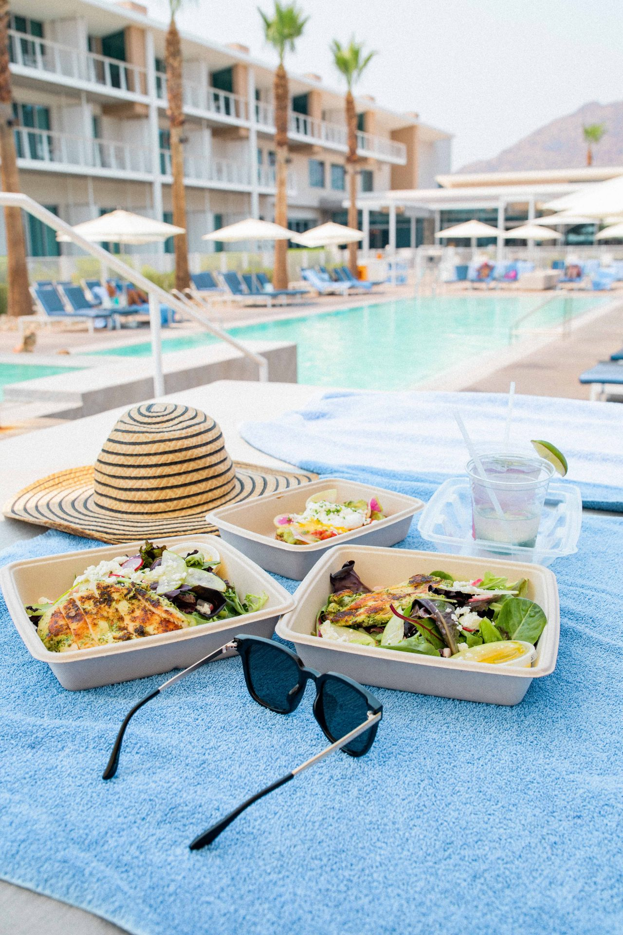 mountain shadows resort scottsdale Arizona, luxury resort, travel guide, scottsdale Arizona travel guide, pool day, blog, blog post, healthy poolside day, dressing, avocado toast, drinks by the pool, honeymoon, what to do in scottsdale