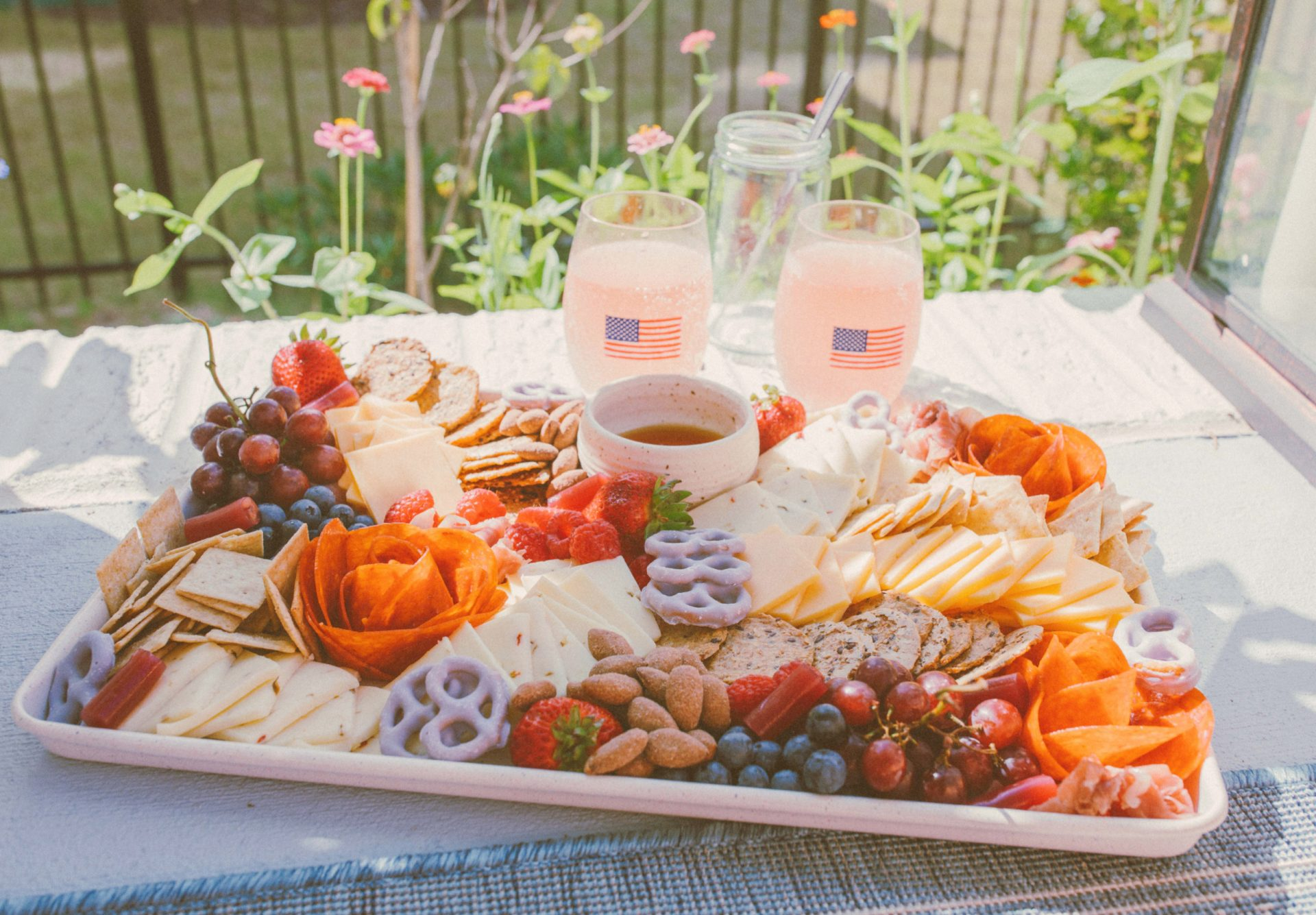 4th of July, charcuterie, pepperoni flowers, gorgeous charcuterie, 4th of July idea, charcuterie with little ingredients, how to make a charcuterie board , gluten-free
