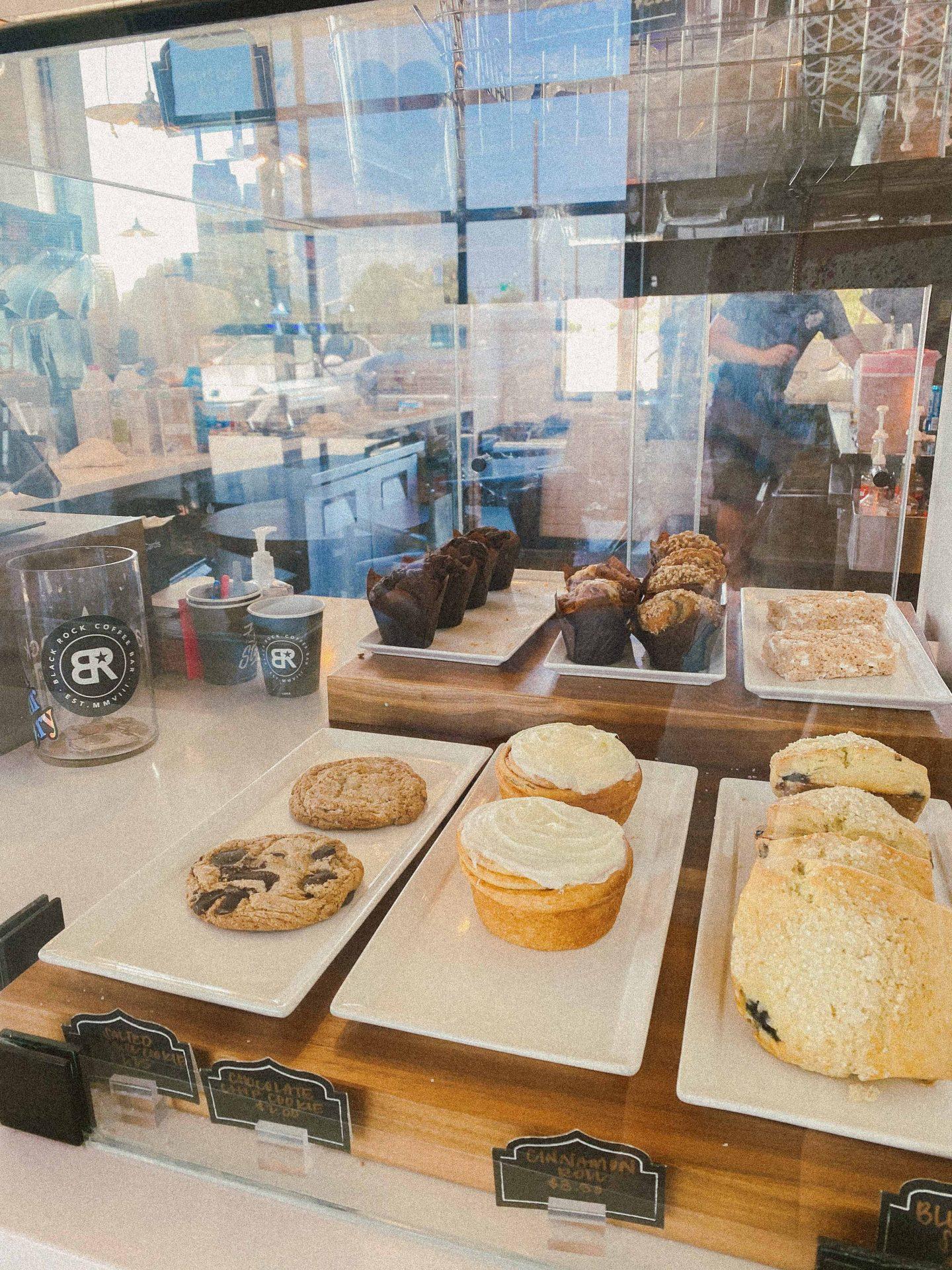 black mountain coffee, scottsdale Arizona travel guide, best coffee scottsdale, oat milk latte, coffee shops in scottsdale, where to eat scottsdale, ultimate guide, honeymoon