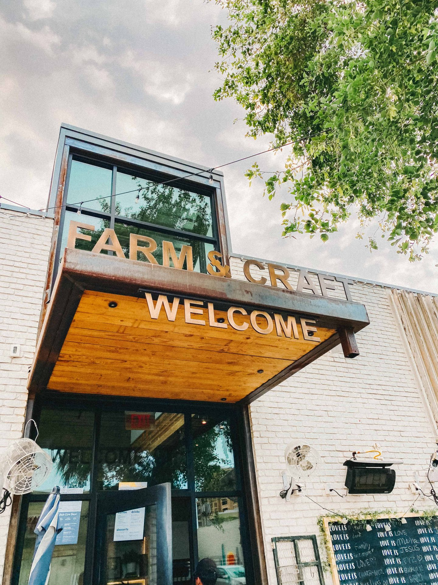 Farm and Craft, Scottsdale Arizona, Travel Guide, Where to Eat in Scottsdale AZ, Best coffee shops in Arizona, Arizona guide, traveling food, ultimate guide, scottsdale, farm to table, healthy eating