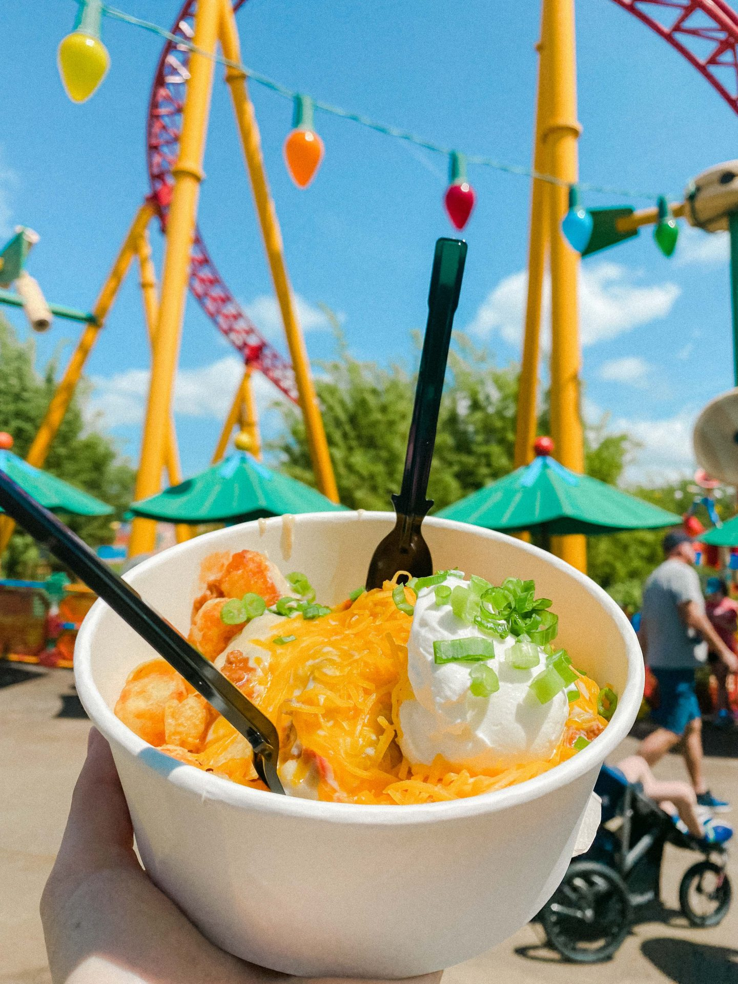 toy story land, woody's tots, tater tots Hollywood studios, magical, slinky, disney world, Florida, Orlando, wdw, walt disney world trip, what to do at Hollywood studios, slinky dog dash, woody's lunchbox, what to eat, blog, itinerary